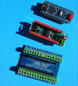 Arduino Nano, DCC shield a připojovací deska